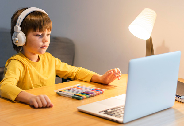 HOW COVID HAS TRANSFORMED OUR EDUCATIONAL EXPERIENCE AND WHY ONLINE CLASSES ARE HERE TO STAY?